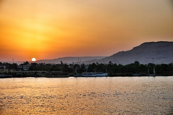 Sunset over the Nile, Valley of the Kings by Siegeworks .
