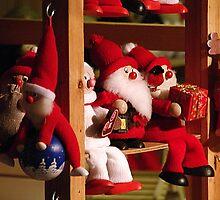 Season greetings to all! by Bluesrose