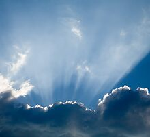 Heavenly rays by Ian Middleton