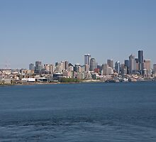 Seattle skyline in the USA by Keith Larby