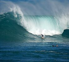 Waimea Bay Green Monster by kevin smith  skystudiohawaii