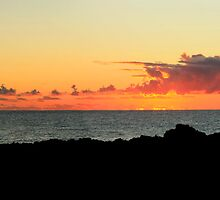 Sunrise Boulder Beach NSW by Emmy Silvius
