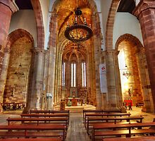 Interior Silves Cathedral by manateevoyager