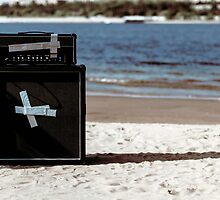 combo amp on the beach by Pavel Maximov