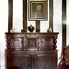 Gainsborough Old Hall- A room with Henry VIII's picture on the wall by jasminewang