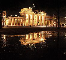 Brandenburger Tor by Paul  Gibb