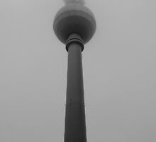 Fernsehturm Berlin by seanusmaximus