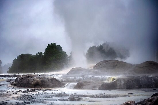 The geyser by Roberto Bettacchi