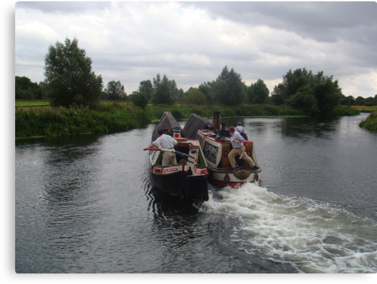 moving out of Wansford Lock by elsiebarge
