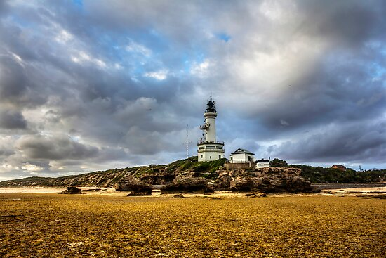 point lonsdale lighthouse by ketut suwitra
