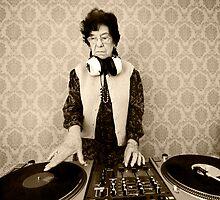 granny DJ! by dubassy