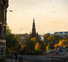 Golden Hour on Edinburgh by Yannik Hay