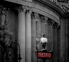 Paris Metro by Lynn Bolt