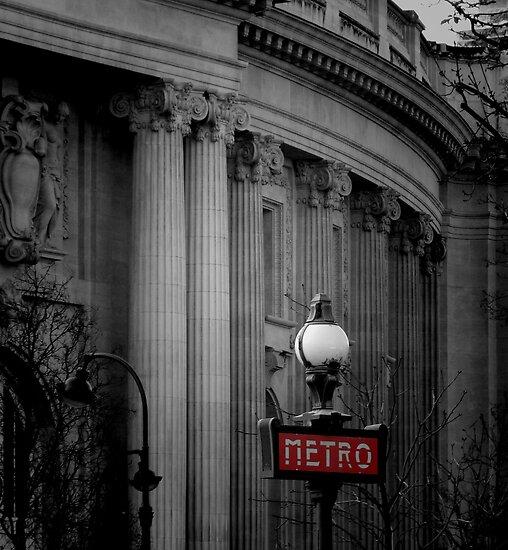 Paris Metro by Lynn Bolt