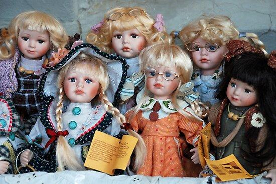 Goodlooking dolls by Arie Koene