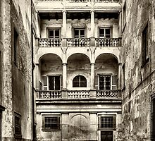 Old style palace by Roberto Pagani