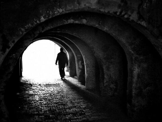 Towards the light  by areyarey