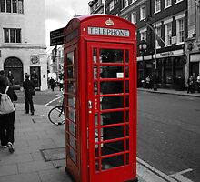 Red Telephone Kiosk by Gutesdesignist