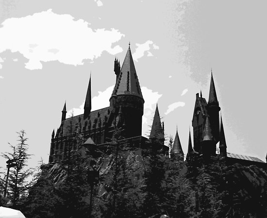 Grey-scale Hogwarts by genevievemm