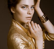 Beauty in gold by Tatiana  Kurnosova