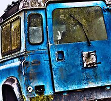 Old Land Rover by ddarbela
