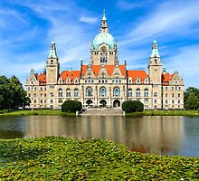 City Hall of Hannover in summer by Michael Abid