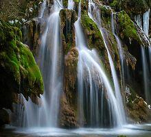 The Tufs waterfall by Rémi Bridot