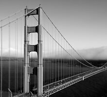 The Golden Gate Bridge by serialninja