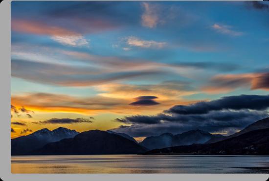 Sunset Loch Linnhe by derekbeattie
