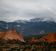 Garden of The Gods Trés  by Stuart Steele