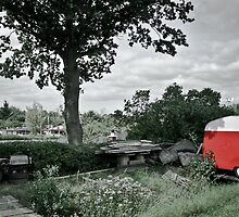 Red Camper by calamarisky