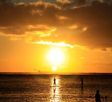 Paddle Boarding Ala Moana by djphoto