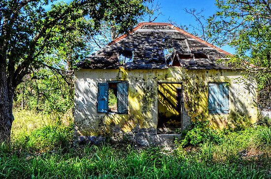 The little abandoned house in Fox Hill Village, The Bahamas by 242Digital