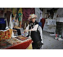 Dama   de sombrero  en su stand........ Photographic Print