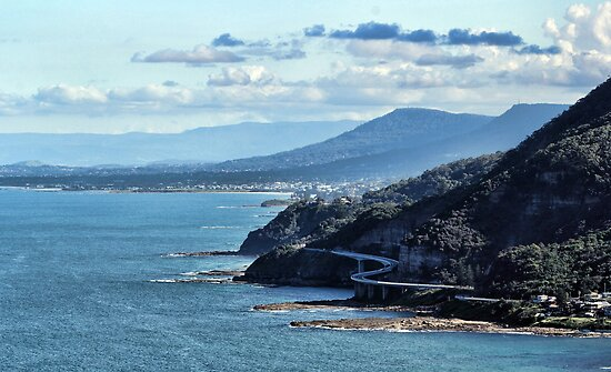 Sea Cliff Bridge by yolanda