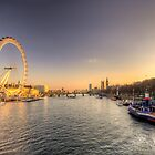 Millenium Wheel dusk  by Rob Hawkins