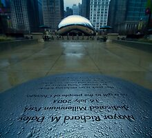 Cloudgate and dedication on a rainy day by Sven Brogren