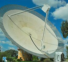 Parkes Radio Telescope by peasticks