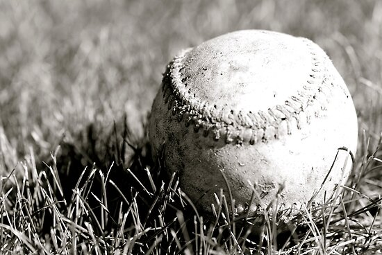 Old Baseball in the Grass B&W by CaptainAussum