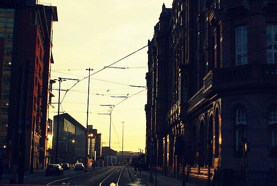 Gritty city.  by xenxen