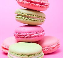 Colorful Macarons by buucos
