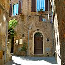 sun on the side streets of Siena by kejube