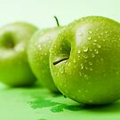 Green Apples by photolcu
