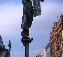 Briggate Minerva by Andy Scott by acespace