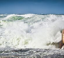 Huge Seas -Newcastle  by RGA Photography