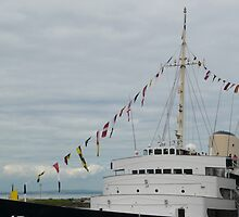 HMY Britannia flags by Woodie