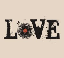 Love Vinyl Records - Grunge Vintage T Shirt by Denis Marsili