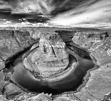 Looking down into the Depths of the Canyon - Horseshoe Bend by Karen Willshaw