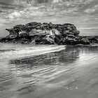 Port Beach in Mono by Dianne English