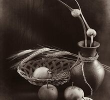 Still life with apples and garlic by Sviatlana Kandybovich